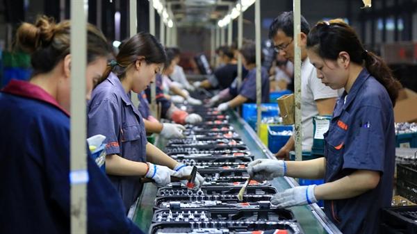 Kinh tế Trung Quốc suy giảm 6,8% trong quý I năm 2020. Nguồn ảnh: Reuters.