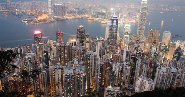 Với 96 tỉ phú, Hồng Kông nổi lên là thành phố có nhiều tỉ phú nhất châu Á. Nguồn ảnh: The Wealth Insider.