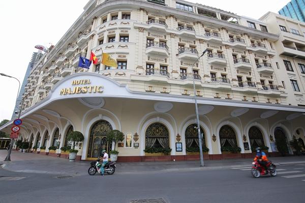 Khách sạn Majestic Saigon trong những ngày giãn cách xã hội. Nguồn ảnh: Quý Hòa