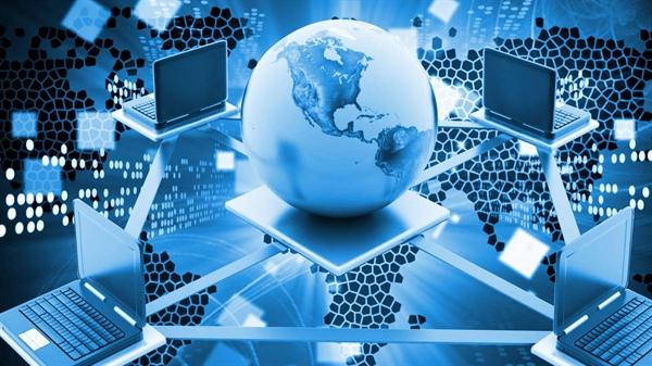 Ra đời từ những năm 90, Internet làm thay đổi căn bản nhân loại. Nguồn ảnh: Viknews.