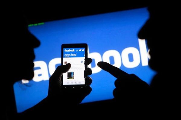 Facebook hiện có hơn 2 tỉ người dùng hoạt động mỗi tháng. Ảnh: Reuters