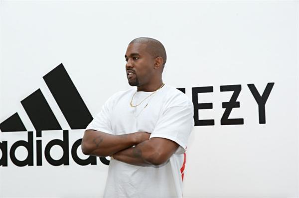 Thương hiệu giày dép và thời trang riêng mang tên Yeezy mang về bộn tiền cho Kanye West