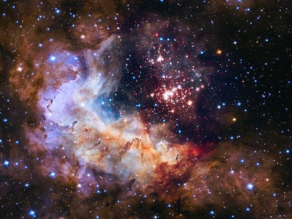 Cụm sao 2 sao Westerlund được ước tính khoảng một hoặc hai triệu năm tuổi. Ngôi sao này được coi là trẻ và nằm cách Trái đất khoảng 20.000 năm ánh sáng, theo NASA.