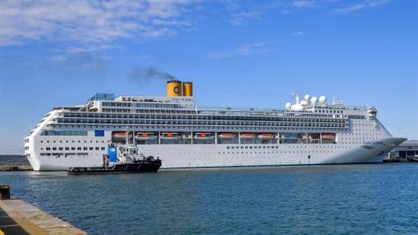 Do chi phí bảo trì tốn kém, một số tàu như Costa Victoria buộc phải dừng hoạt động, kết thúc quãng đời 23 năm phục vụ của mình. Nguồn: Nguồn ảnh: AFP.