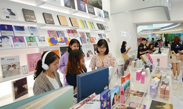 Vietnamese K-pop enthusiasts at a pre-opening event of SMTown Vietnam in Saigon's Crescent Mall in July 2020. Photo courtesy of SMTown Vietnam.