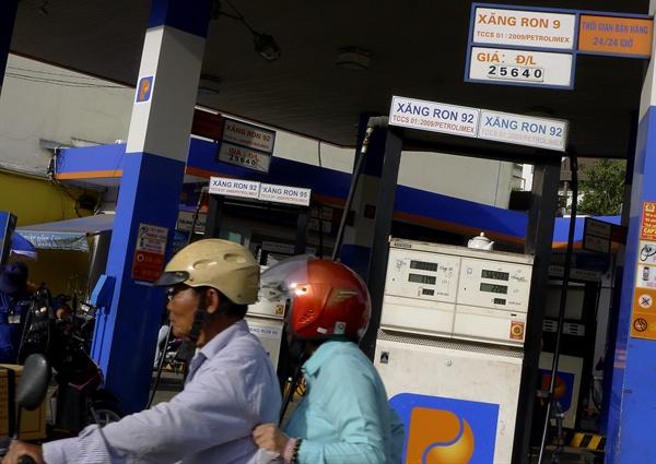 Mở cửa cho nhà đầu tư ngoại tham gia sâu hơn vào thị trường bán lẻ xăng dầu lúc này, theo Bộ Công Thương, là phù hợp và