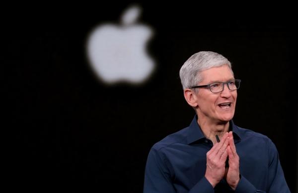 """Ông Tim Cook - CEO của Apple cho rằng: """"Các doanh nghiệp có một cơ hội sâu sắc để giúp xây dựng một tương lai bền vững hơn. Đây là một trong những mối quan tâm chung của chúng tôi đối với hành tinh mà chúng ta chia sẻ. Nguồn ảnh: The Mercury News."""
