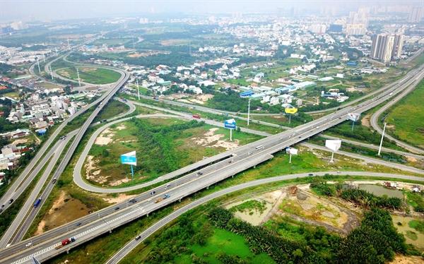 Long Thành thu hút nhiều nhà đầu tư bất động sản với những dự án lớn, quy hoạch đồng bộ.