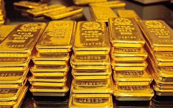 Giá vàng thế giới vẫn tiếp tục đà đi lên.