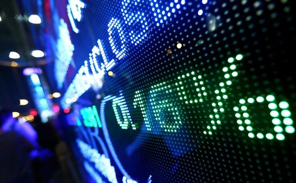 Cổ phiếu Facebook, Apple, Alphabet và Amazon đều tăng trên 1% trong phiên giao dịch ngày 30.7. Ảnh: CNN
