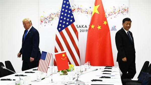 Cuộc chiến thương mại Mỹ - Trung vẫn chưa có dấu hiệu hạ nhiệt. Nguồn ảnh: AFP.