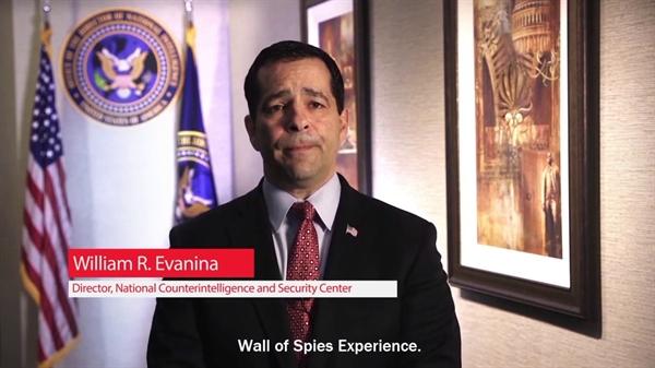 """Ông William Evanina - Giám đốc Trung tâm Phản gián và An ninh Quốc gia Mỹ chia sẻ: """"Quan điểm về việc ai sẽ nắm giữ Nhà Trắng, chúng tôi chủ yếu lo ngại về hoạt động và tiềm năng can thiệp đang diễn ra của Trung Quốc, Nga và Iran"""". Nguồn ảnh: Intelligence."""