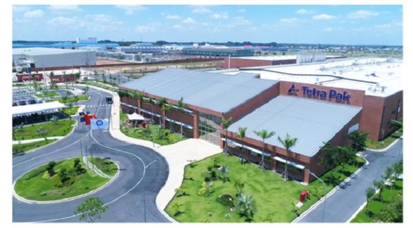 Nhà máy Tetra Pak Bình Dương là một trong số ít những nhà máy tại Việt Nam được Hội đồng Công trình xanh Hoa Kỳ trao chứng chỉ LEED Vàng.