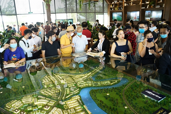 """Aqua City trở thành điểm """"nóng"""" hút dòng vốn trên thị trường bất động sản phía Đông ngay cả trong thời điểm dịch."""