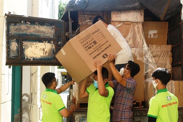Nhựa Tiền Phong đã kịp thời đến với Đà Nẵng, trợ giúp cho các y bác sĩ, tuyến đầu chống dịch