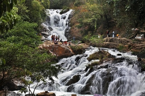 Located beside national road 20th, 5 km from downtown of Da Lat, Datanla tourist site has an area of 312ha set amidst the preservation forests. In 1998, Datanla waterfall was recognized as a Cultural historical heritage.
