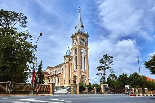 Da Lat Cathedral was built in 1931 and completed in 1942 and would have been the place of worship for the French colonialists on the days of old.