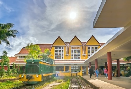 Da Lat Train Station, built in 1943, offers a great glimpse of how people would have traveled in the days of old. The traditional ticket windows are still here and there is also a delightful steam train on show.