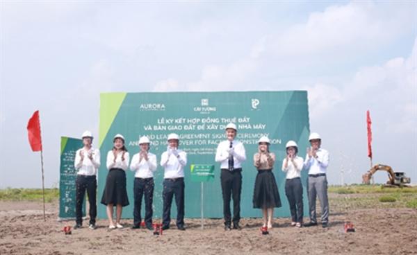 Hai dự án đầu tiên tọa lạc tại KCN đều hoạt động trong lĩnh vực dệt may
