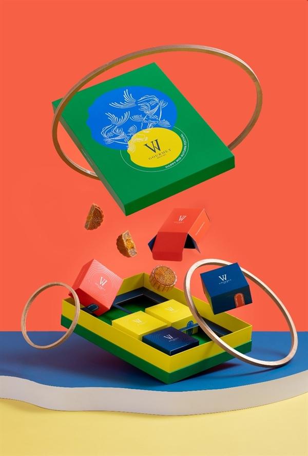 Hộp quà Colorful Moonlight Gift Set có giá 530.000 VND+