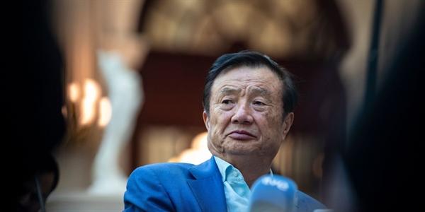 Kể từ khi được thành lập bởi cựu kỹ sư Ren Zhengfei vào năm 1987, Huawei đã phát triển trở thành nhà cung cấp thiết bị viễn thông hàng đầu thế giới, với hơn 100 tỉ USD doanh thu và 180.000 nhân viên toàn cầu. Nguồn ảnh: Almog.