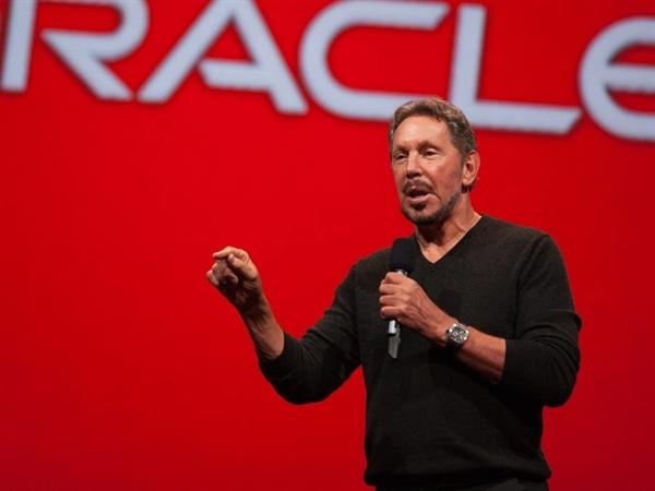 Ellison và CEO Safra Catz của Oracle là những người ủng hộ hàng đầu của Trump trong ngành công nghệ
