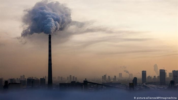 Trung Quốc hiện đứng đầu danh sách tổng lượng khí thải carbon-dioxide toàn cầu. Nguồn ảnh: AP.