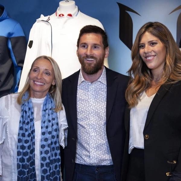 Messi hợp tác với hai chị gái Ginny Hilfiger và Maria Sol – 2 nhà thiết kế chính của The Messi Store. Nguồn ảnh: The Sun.