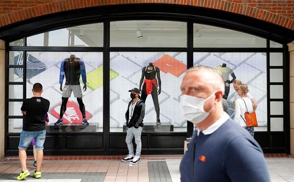 Nike dường như đã phục hồi sau cơn đại dịch, công bố lợi nhuận hàng quý vững chắc nhờ doanh số bán giày thể thao và quần áo tập luyện trực tuyến tăng vọt. Nguồn ảnh: Onrede.