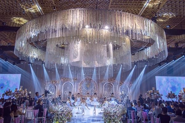 GEM Center là lựa chọn duy nhất cho các tiệc cưới xa hoa có yêu cầu dàn dựng hoành tráng.