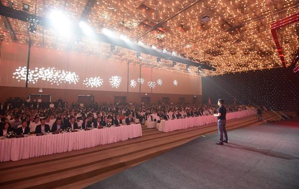 """Người dẫn đường"""" Nguyễn Quốc Bảo đại diện tập đoàn Danh Khôi chia sẻ những khó khăn trên hành trình vươn tới thành công."""