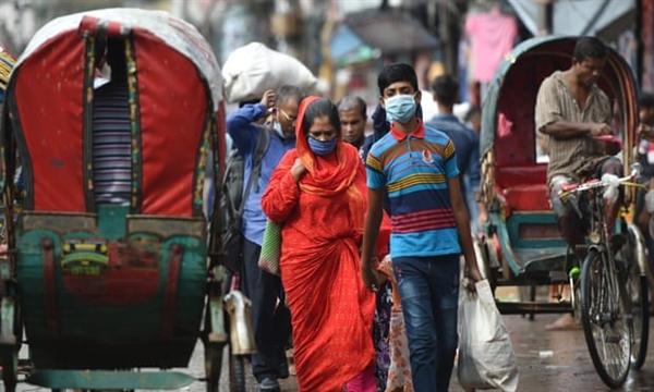 Bangladesh bị ảnh hưởng nặng nề do mất nguồn kiều hối chiếm 20%, vốn là nguồn thu nhập chính của nhiều gia đình nghèo. Nguồn ảnh: Tân Hoa Xã.