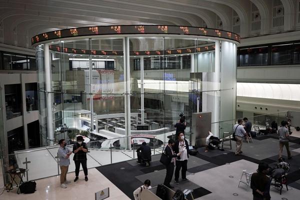 Nikkei 225 của Nhật giảm 0,19% trong khi chỉ số Topix giảm 0,18%. Nguồn ảnh: AP.