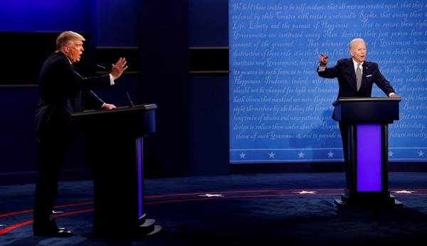 Tổng thống Mỹ Donald Trump và ứng cử viên tổng thống của đảng Dân chủ Joe Biden tham gia cuộc tranh luận chiến dịch tranh cử tổng thống năm 2020 đầu tiên ngày 29.9.2020. Nguồn ảnh: Reuters.