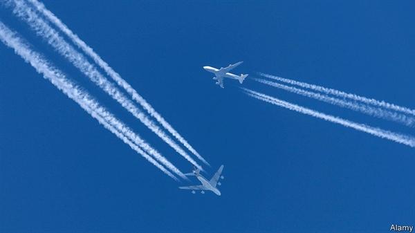 Theo các chuyên gia tư vấn tại Oliver Wyman, đến năm 2030, đội tàu bay toàn cầu sẽ nhỏ hơn 12% so với mức tăng trưởng bình thường. Nguồn ảnh: The Economist.