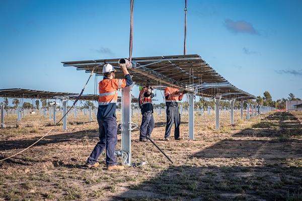 Năng lượng mặt trời, gió, năng lượng sinh học và nhiệt mặt trời sẽ chiếm phần lớn nguồn cung cấp, với việc lưu trữ năng lượng được cung cấp thông qua pin, hydro và hydro được sản xuất từ gió hoặc năng lượng mặt trời. Nguồn ảnh: Climate Council.