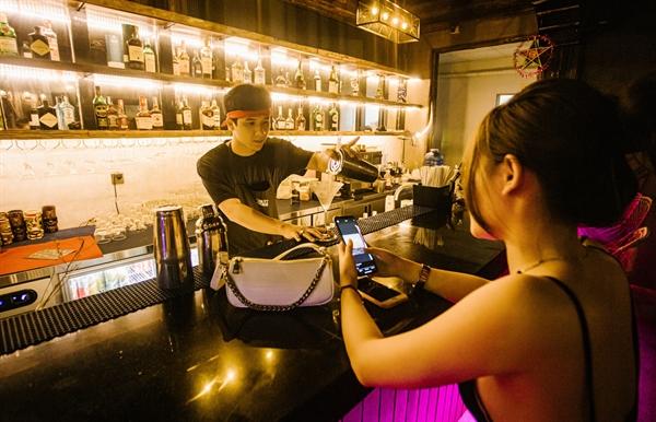 .Sunset Beach Bar & Restaurant – Top 1 dịch vụ giải trí về đêm và nhà hàng tại Phú Quốc trên Trip Advisor.