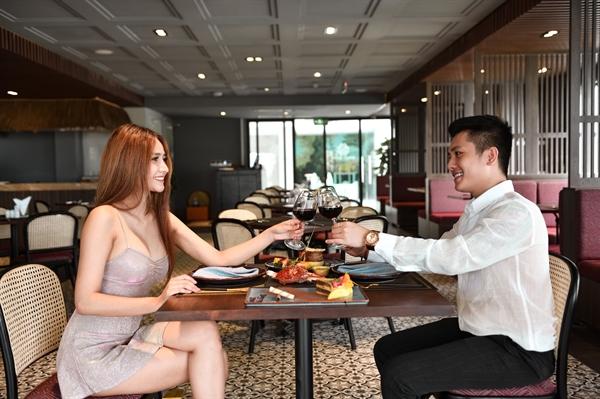 Thưởng thức bữa ăn lãng mạn cùng người thương trong không gian hiện đại của nhà hàng Soleil Fusion.
