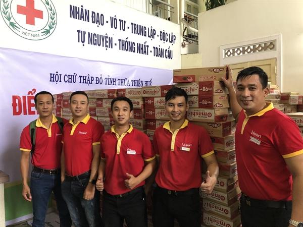 Đại diện Tập đoàn Masan trao quà cho Hội Chữ Thập Đỏ tỉnh Thừa Thiên Huế 2