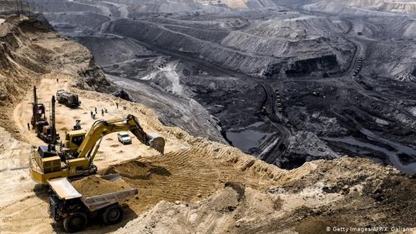 Những người ủng hộ quá trình thoái hóa dầu thách thức khái niệm tăng trưởng kinh tế vô hạn có thể thực hiện được trên một hành tinh có nguồn tài nguyên hữu hạn. Ảnh: DW.