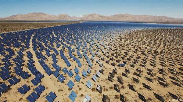 Những người ủng hộ tăng trưởng xanh hy vọng năng lượng tái tạo sẽ giúp tăng trưởng tiếp tục trong khi bảo vệ hành tinh. Ảnh: DW.