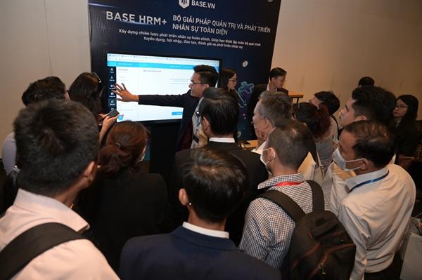 Liên tục gọi vốn thành công từ các quỹ quốc tế với tổng số tiền được tiết lộ lên tới 1,7 triệu đô, hiện Base.vn đã trở thành một trong những công ty đi đầu trong lĩnh vực xây dựng nền tảng quản trị doanh nghiệp Software-as-a-Service tại Việt Nam