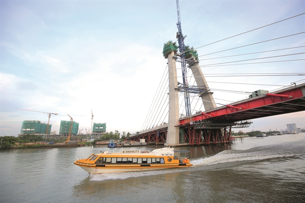 Cầu Thủ Thiêm 2 là một trong những dự án đầu tư lớn. Ảnh: Quý Hòa.
