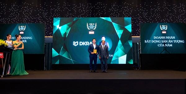 """Với tầm nhìn chiến lược sâu rộng và những đóng góp tích cực cho thị trường Bất động sản Việt Nam, ông Phạm Lâm - Sáng lập, CEO DKRA Vietnam được vinh danh """"""""Doanh nhân Bất động sản ấn tượng""""."""