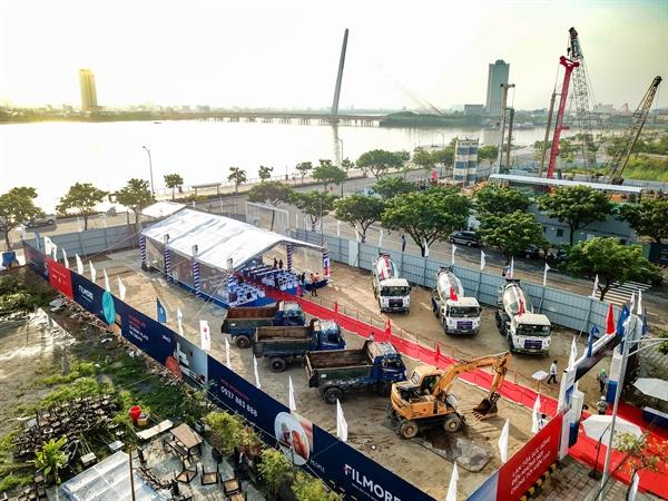 Toàn cảnh vị trí dự án The Filmore Da Nang nhìn từ trên cao với tầm nhìn hướng ra cầu Trần Thị Lý.