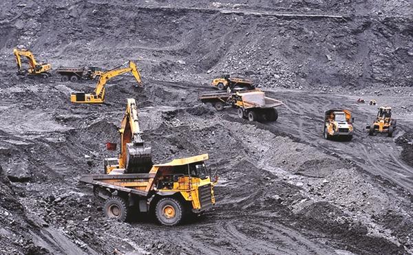 ơ quan Năng lượng Quốc tế (IEA) ước tính, với quy hoạch điện quốc gia hiện nay, công suất điện than tại Đông Nam Á sẽ hơn gấp đôi vào năm 2040, giữa lúc hầu hết các nước trên thế giới đang giảm mạnh sử dụng than đá.