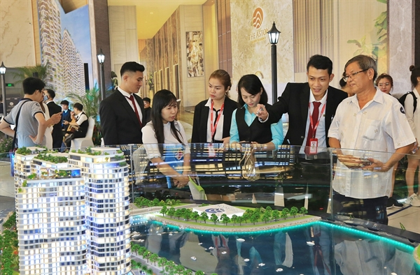 The Aston Luxury Residence kỳ vọng sẽ góp phần giải cơn khát sở hữu căn hộ cao cấp mặt tiền biển tại thành phố Nha Trang.