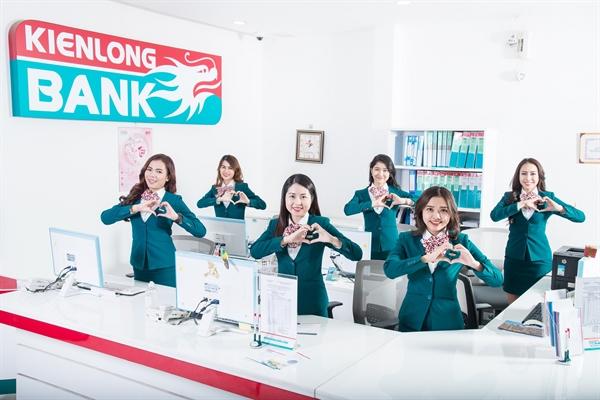 6.Kienlongbank dành một khoản ngân sách nhất định cộng hưởng với sự hưởng ứng tích cực của tập thể cán bộ, nhân viên, cộng tác viên Ngân hàng  triển khai các dự án vì cộng đồng và chương trình an sinh xã hội.