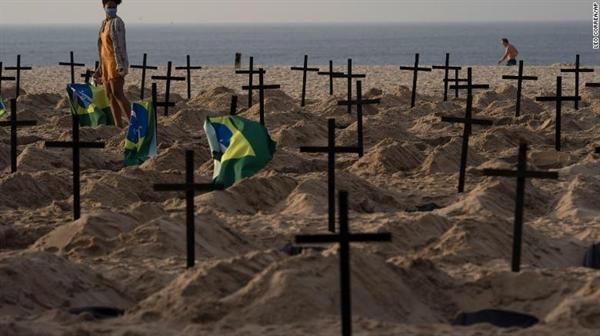 Brazil là một trong những quốc gia bị ảnh hưởng nặng nề nhất bởi đại dịch, với hơn 6 triệu va nhiễm và gần 170.000 số ca tử vong. Ảnh: CNN.