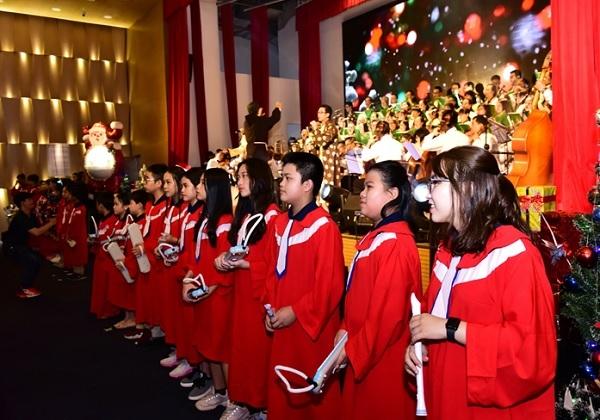 """""""Quà tặng Giáng sinh 2020, Ánh sáng Tình yêu"""" là chương trình thứ hai được NHG thực hiện."""